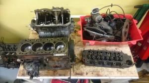 Motorn nu i delar.